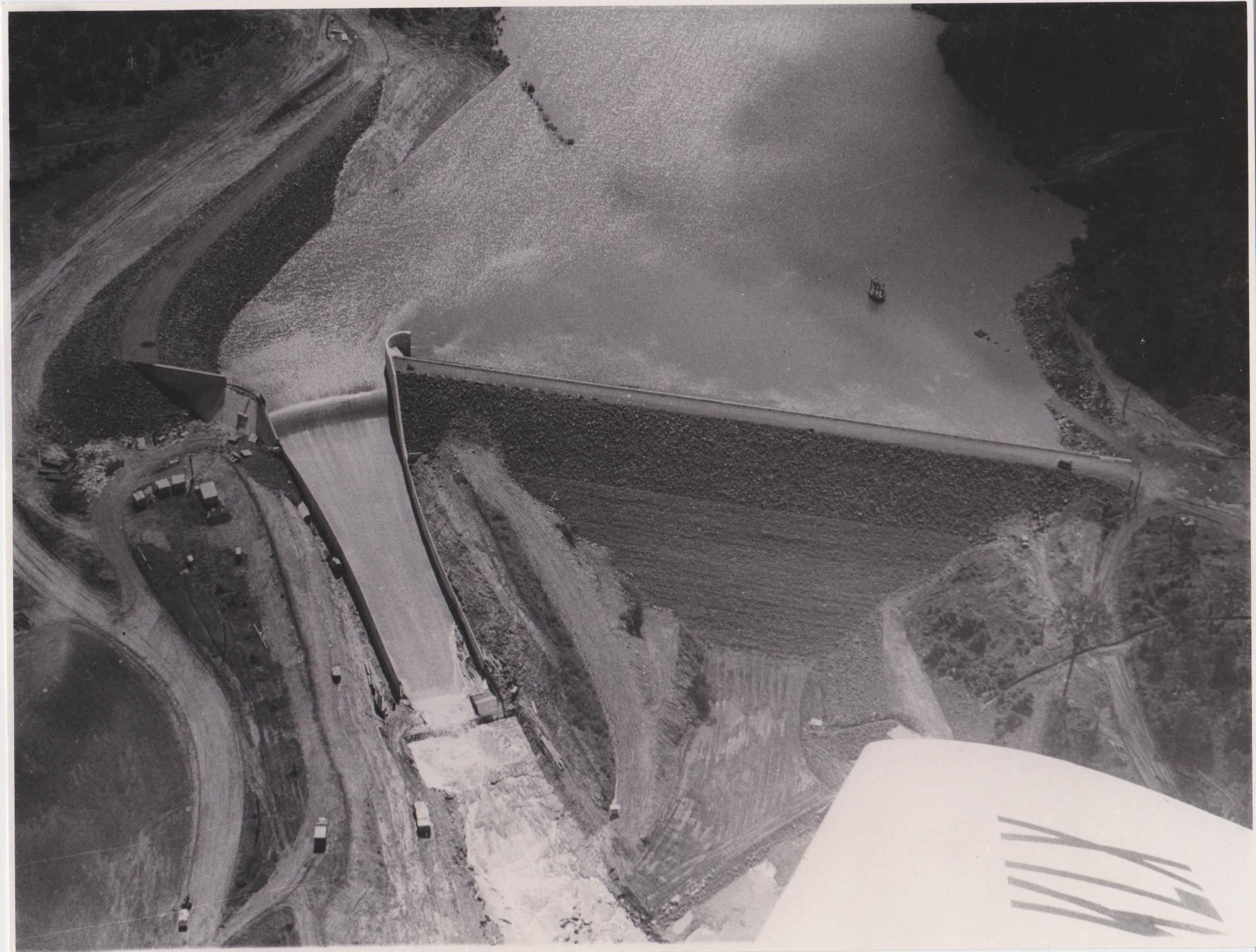 spillway-when-dam-filled-1968-maureenholloway